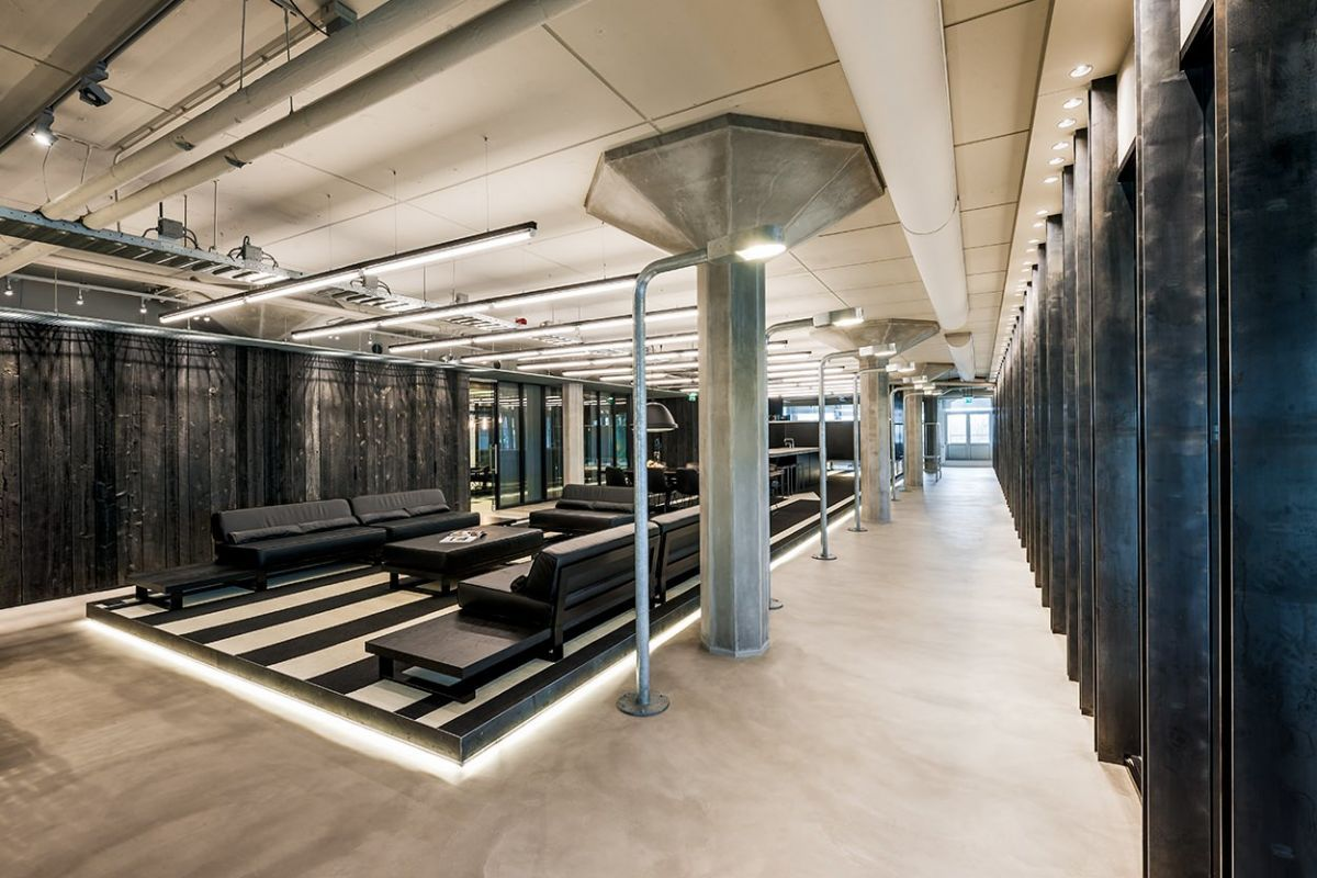 SUPERHEROES' AUTHENTIC OFFICE DESIGN IN AMSTERDAM - Retailand ...