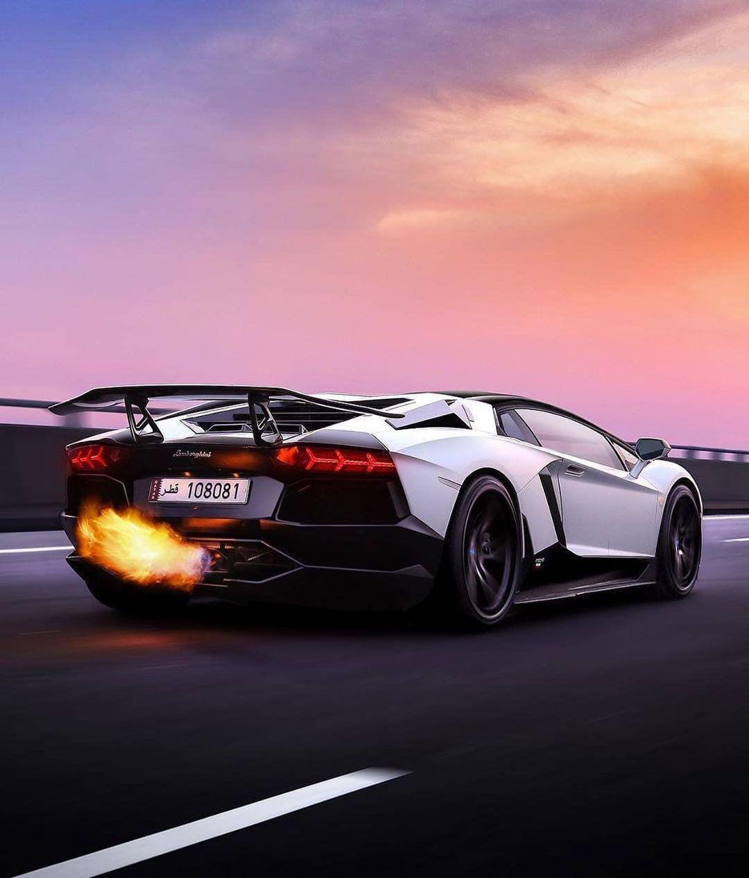Lamborghini Supercar Ferrari Dewakartu Aventador Huracan Compare Cars Super Cars Car Rental