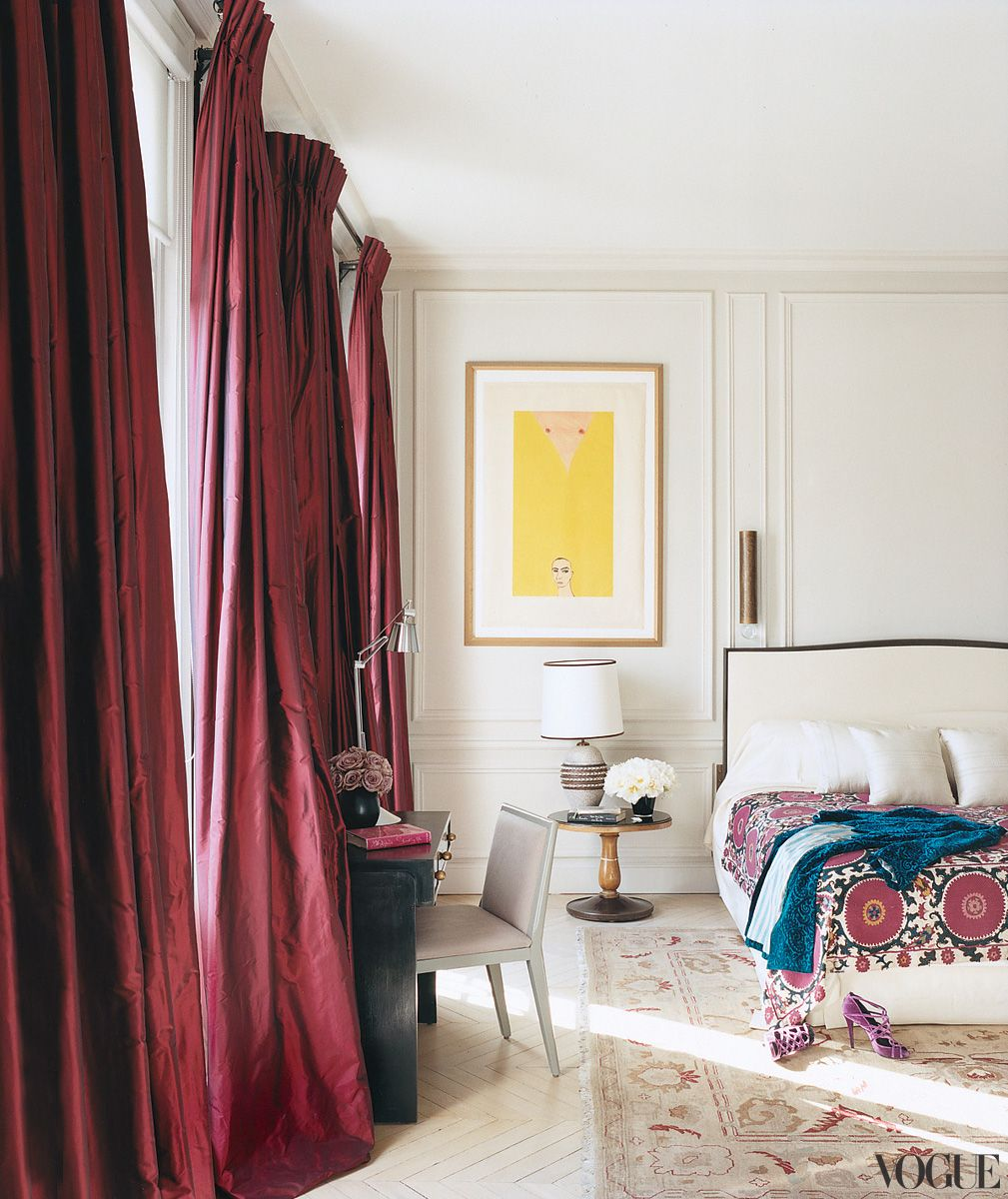 L Wren Scott And Mick Jagger S Turn Of The Century Left Bank Apartment In Paris A Guest Bedroom Includes Richly Hued Curtains Painting By Francesco