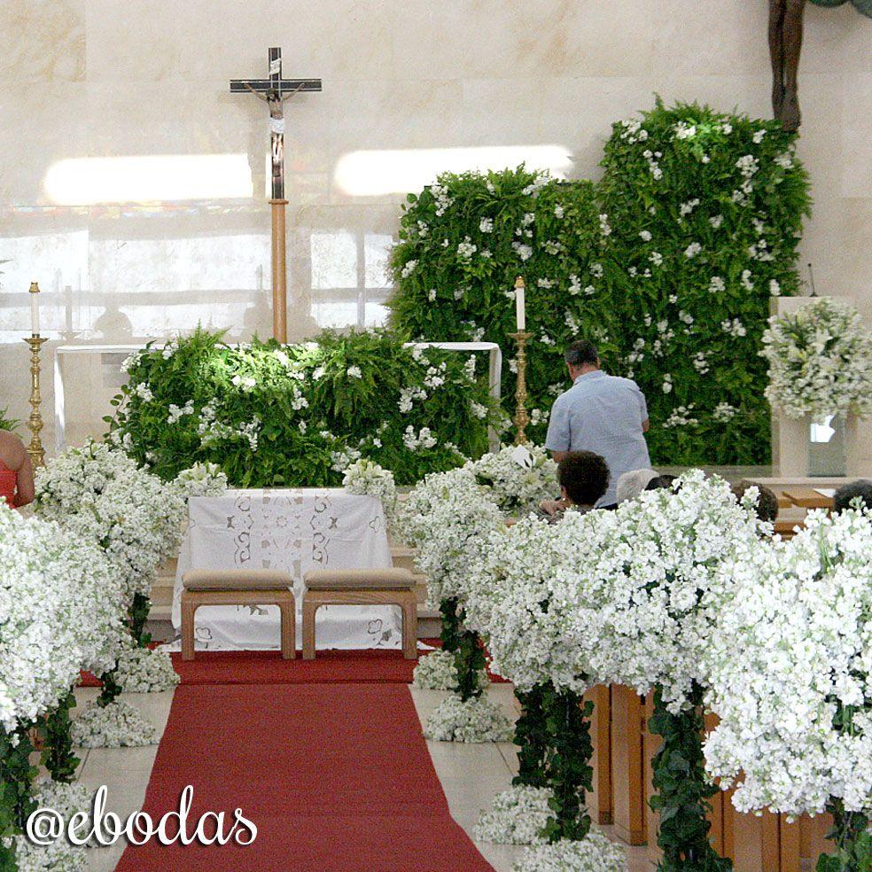 22 Pictures Wedding Altar Decorations: Una Increíble Idea Del Uso De Muros Verdes Con Toques Del
