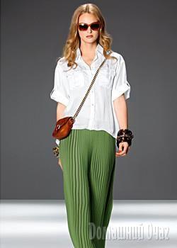 Зеленая плисерованная юбка marc cain