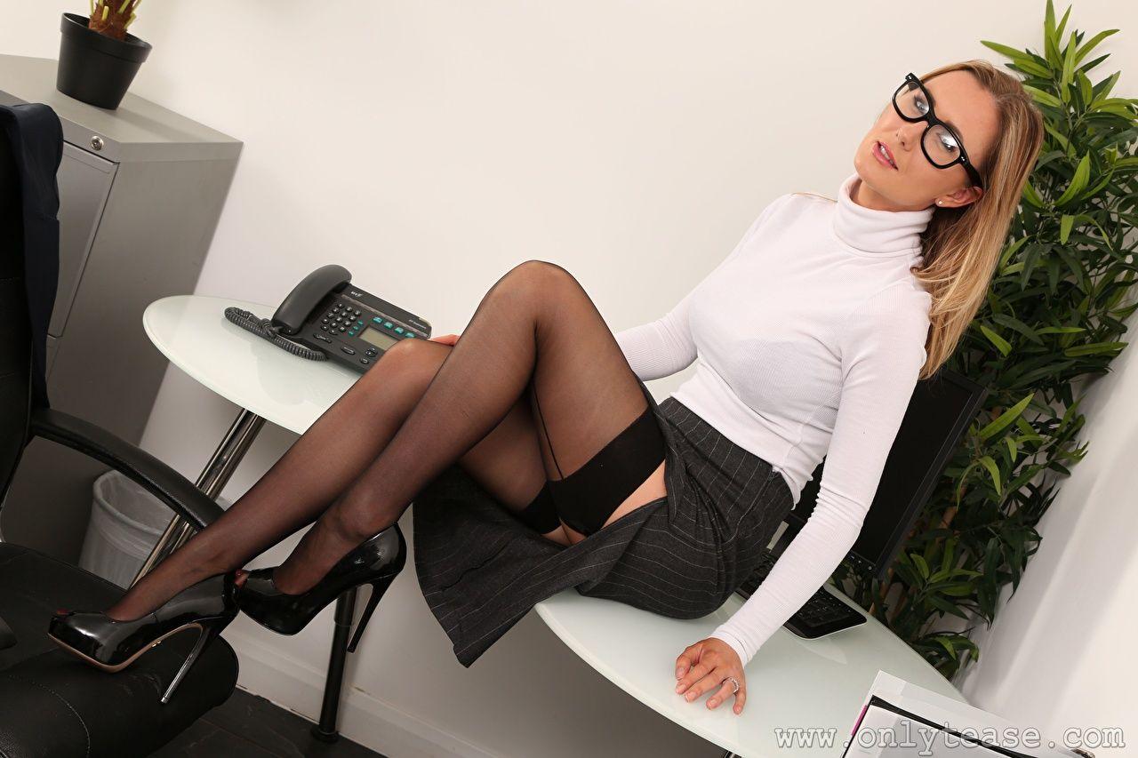 Принуждает к сексу секретаршу, Порно Секретарша -видео. Смотреть порно онлайн! 9 фотография