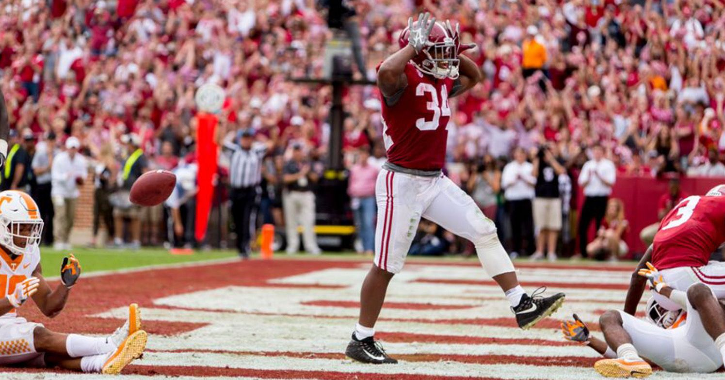 Alabama Running Back Damien Harris 34 Celebrates His Touchdown During The First Half Of The Alabama Vs Tennessee Sec Alabama Alabama Crimson Tide Alabama Vs