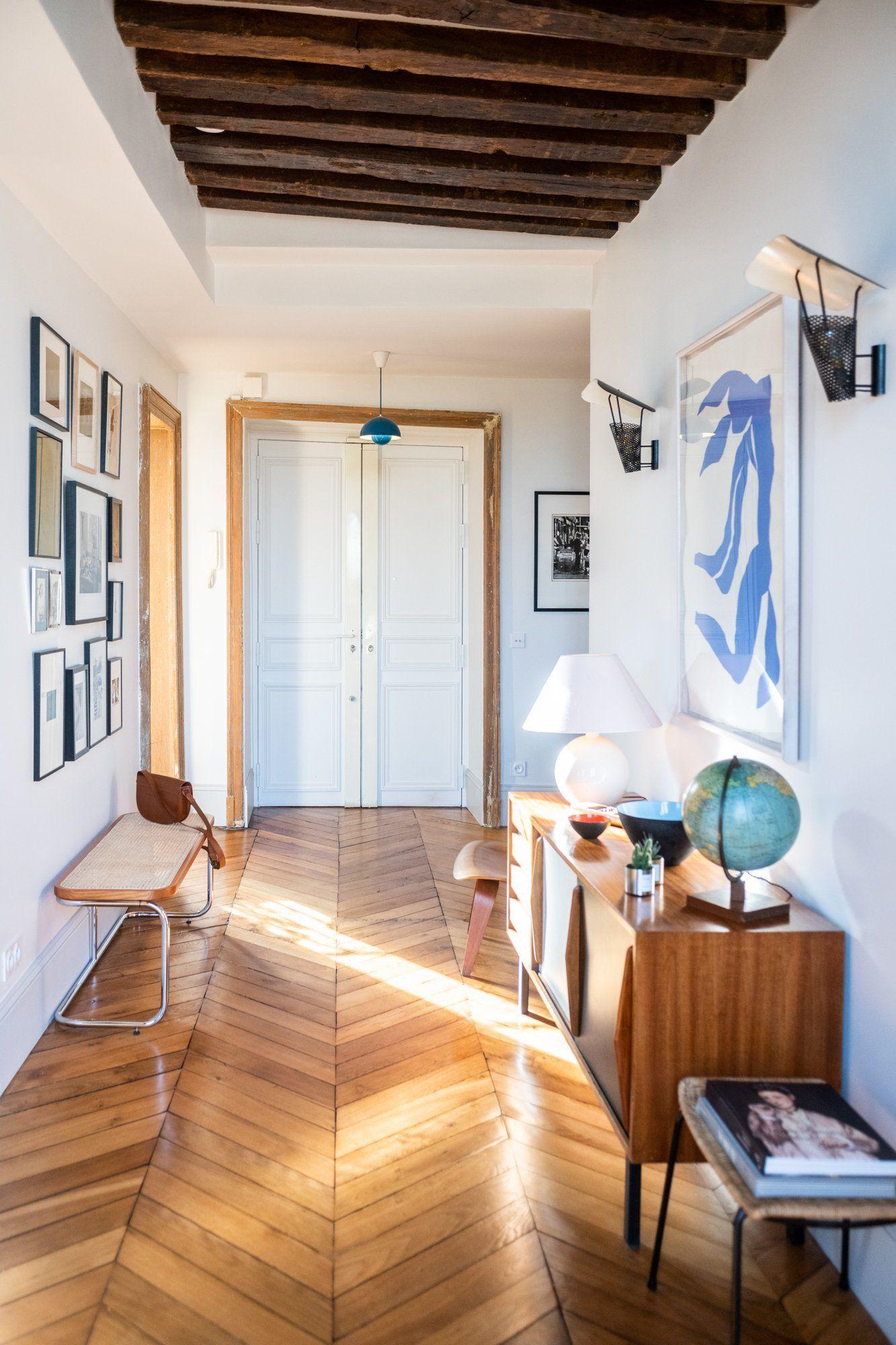 Photo of Une entrée dappartement sous le signe de lart #Decoration #homedecor #homedesig…
