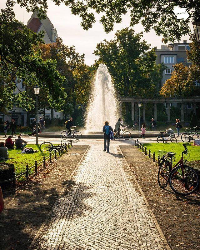 Viktoria Luise Platz Berlin Schoneberg Berlin Sidewalk My Home