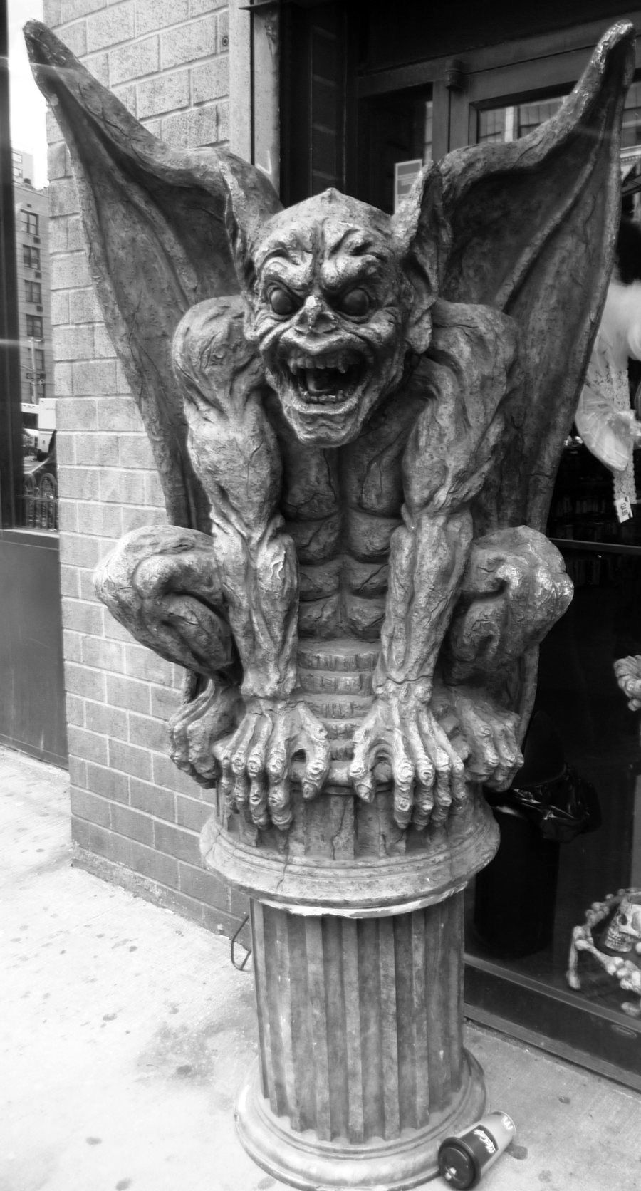 Pin by Lingoman on Gargoyles, Temple Guardians and other ...