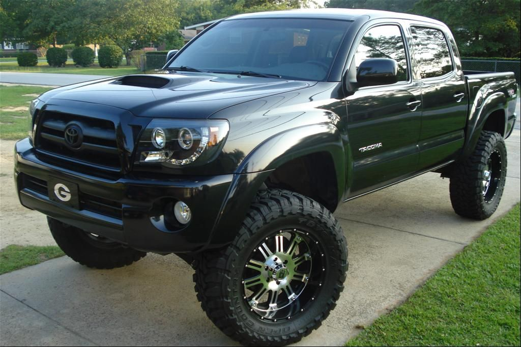 Lifted 4 Door Toyota Tacoma Cool But I Can Tell The Tires Don T Clear Fenders