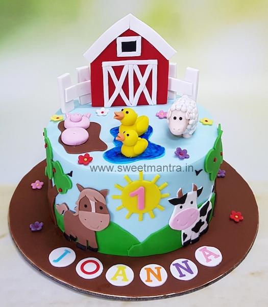Farm Animals Theme Cake For Girl S 1st Birthday In Pune Farm Birthday Cakes 2nd Birthday Cake Girl Themed Cakes
