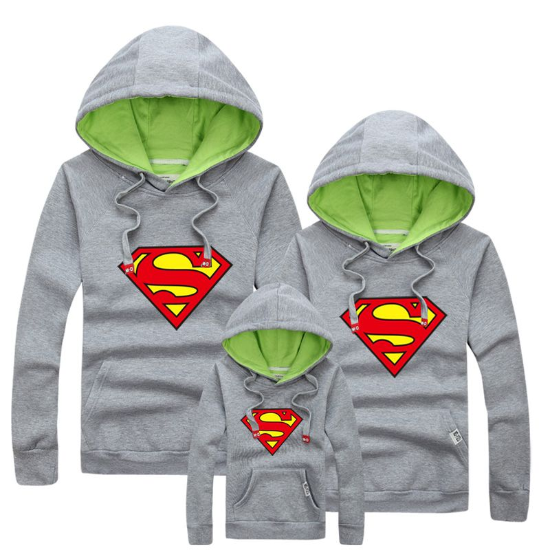 Aliexpress.com  Comprar 1 unid al por menor 2015 de la familia a juego  Hoodies madre e hija ropa padre e hijo otoño moda Superman sudaderas mamá  Me trajes ... a4f709a4ac6