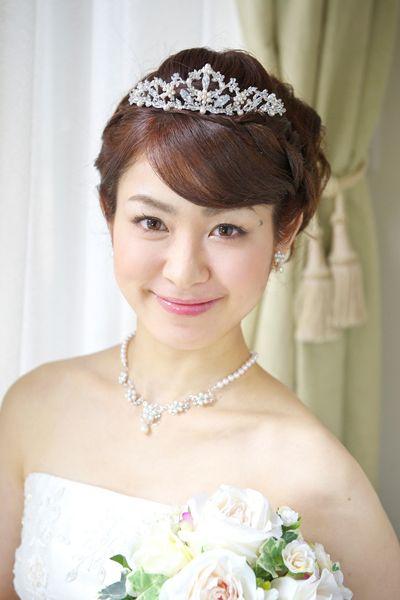 花嫁 人気 ティアラ ヘアスタイル アップ ウェディングヘア
