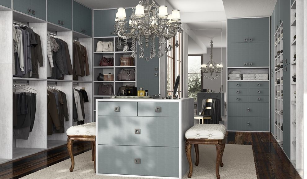 Closet da Marel - Topázio e Wolcke. #furniture #decor #architecture #designdeinteriores #interiordesign #wardrobe