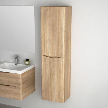 colonne de rangement suspendu en ch ne clair pour salle de. Black Bedroom Furniture Sets. Home Design Ideas