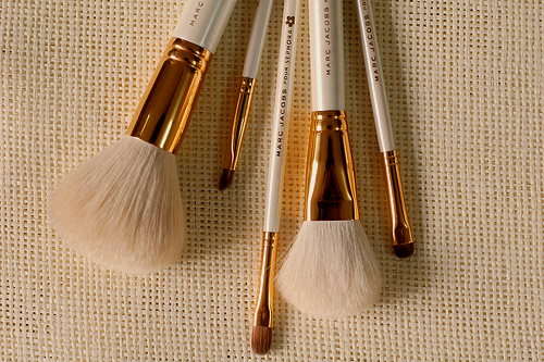 marc jacobs make up brushes? need them now. Marc jacobs