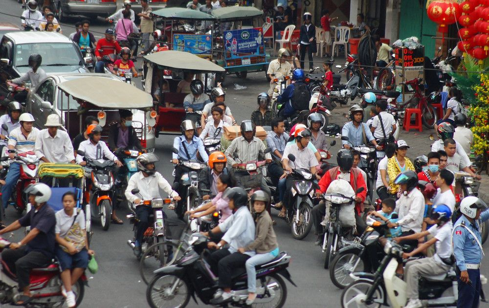 Busy & hectic intersection in the capital city of Phnom Penh