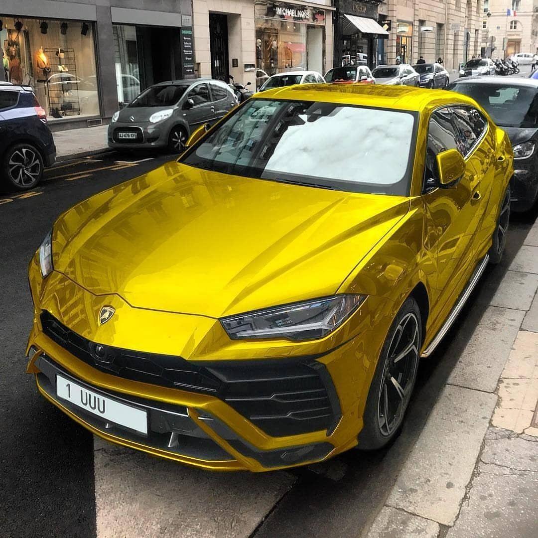 Luxury Car Lamborghini: Golden Lamborghini Urus SUV....