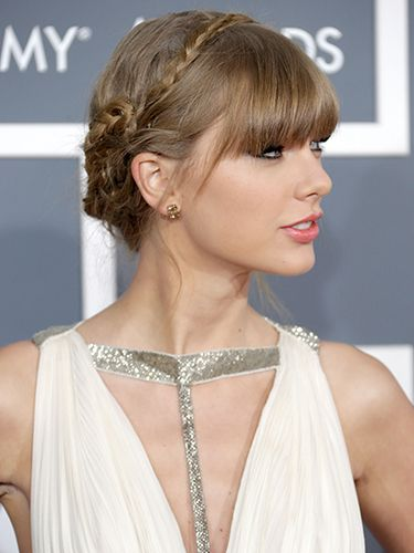 Taylor Swift Grammys Celebrity Hairstyles Grammy Hairstyles Celebrity Hair Inspiration Hair Styles Red Carpet Hair
