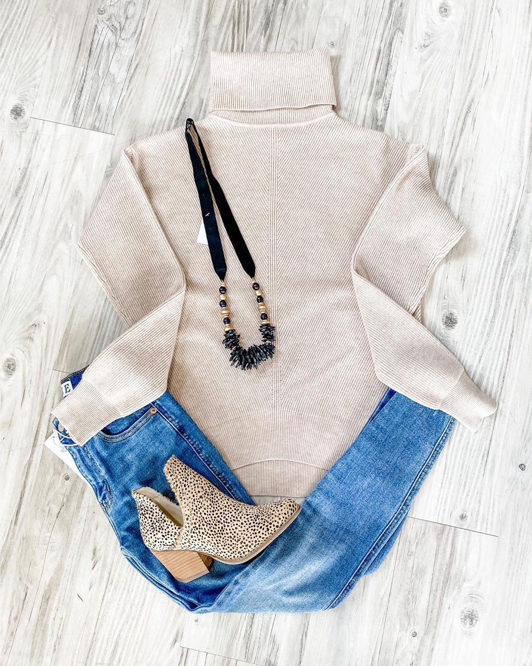 Bleu Blush Boutique On Instagram Love This Classy Look With A Little Sass Shopbb Bleublushboutique Shopbl How To Look Classy Insta Fashion Blush Boutique