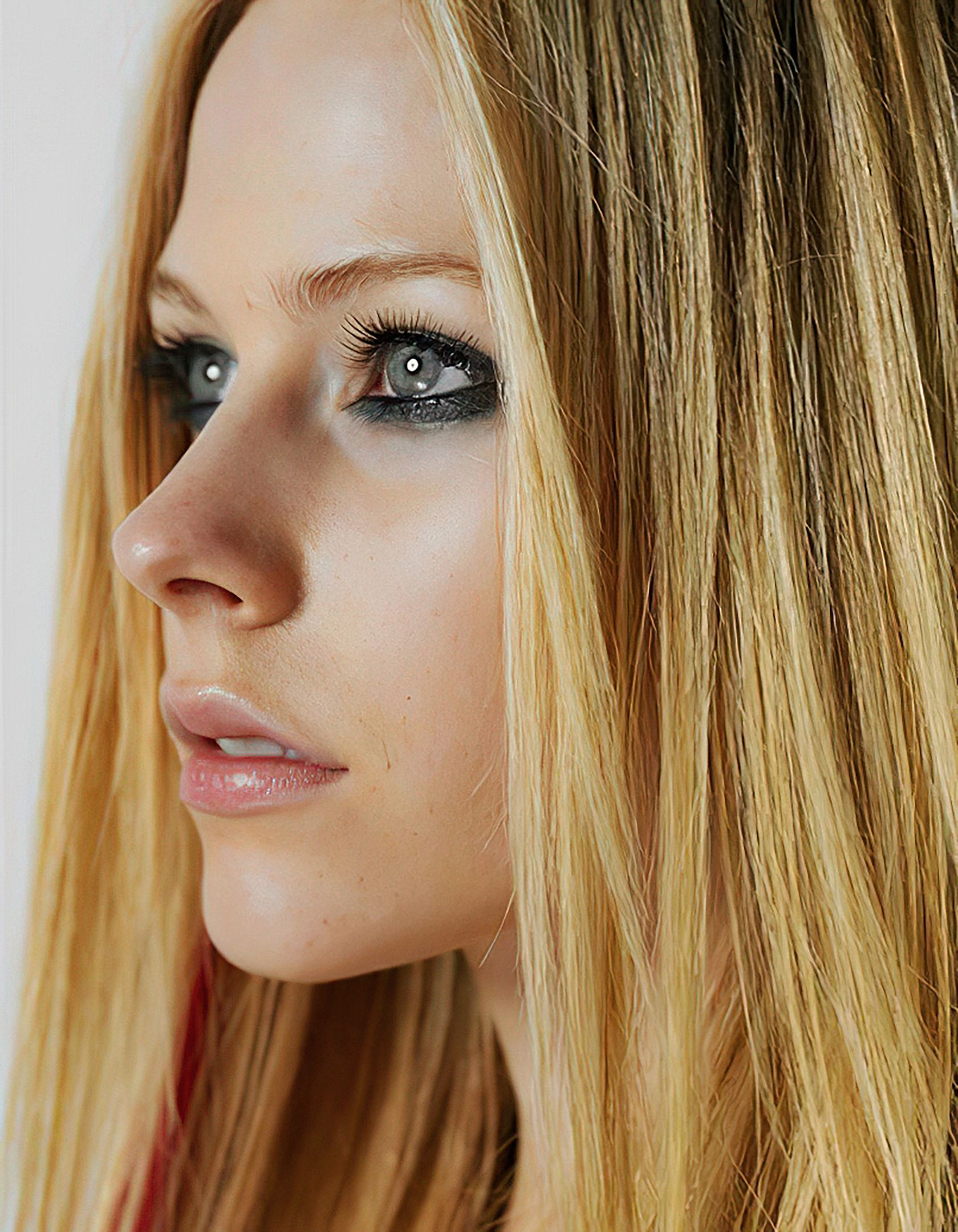 Pin by Scott Mills on Portraits in 2020 | Avril lavigne