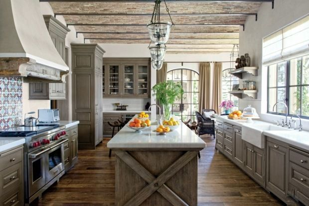 Moderne weiße Küchen - Kücheneinrichtung in Weiß planen - inspirationen küchen im landhausstil