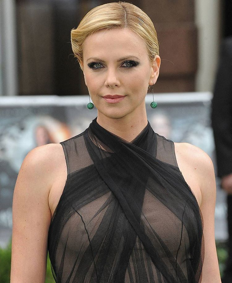 Charlize Theron See Thru And Looking So Beautiful Smash Or -3509