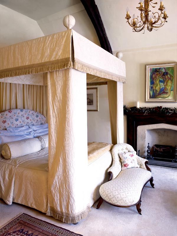 Medieval manor in England | Schlafzimmer...bedroom...!!! | Pinterest