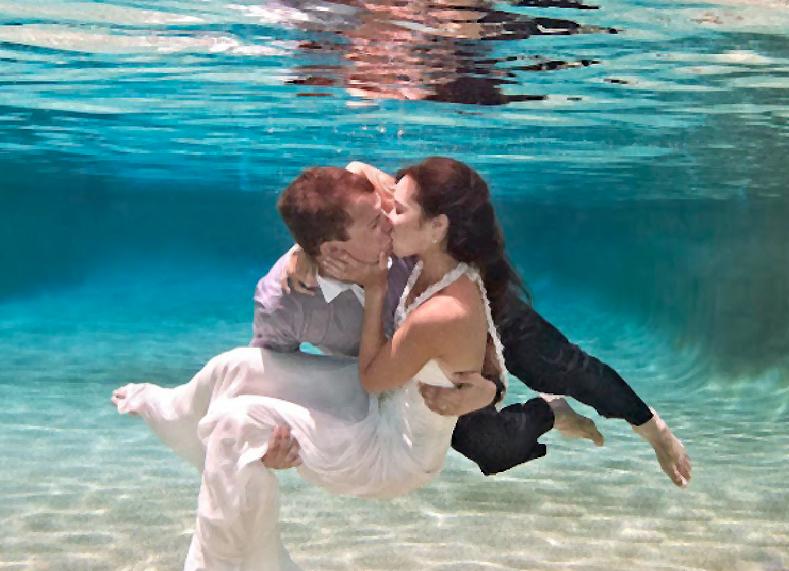 Indeeplovebahamas Underwater Wedding Water Wedding Wedding Photography