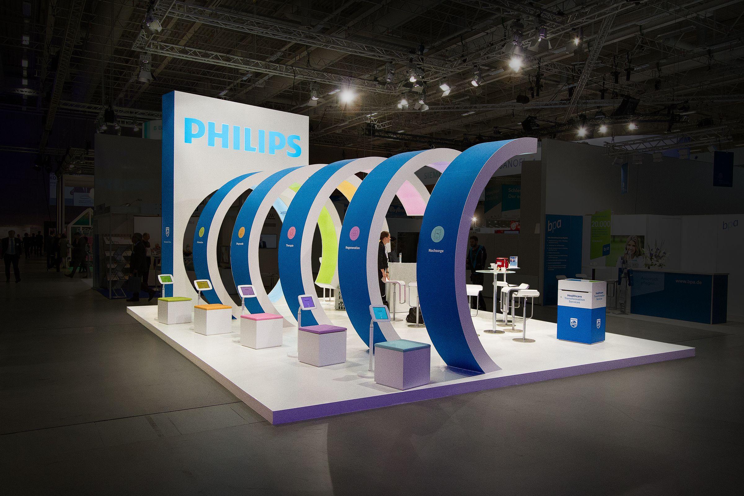 Nice Philips Messestand Konzept Design Medienbespielung by Super an der Spree