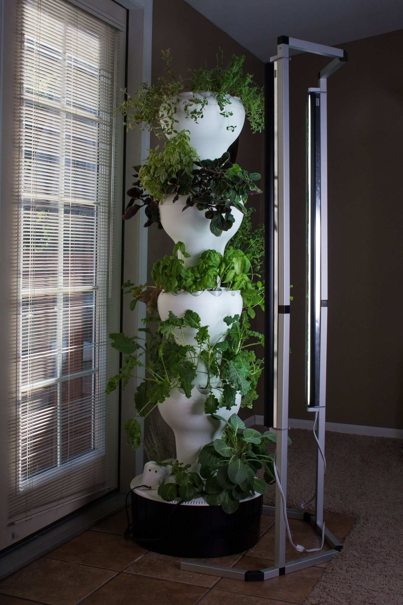 T5 Vertical Grow Lighting Foody Vertical Gardens Aquaponics Vertical Garden Aquaponics System