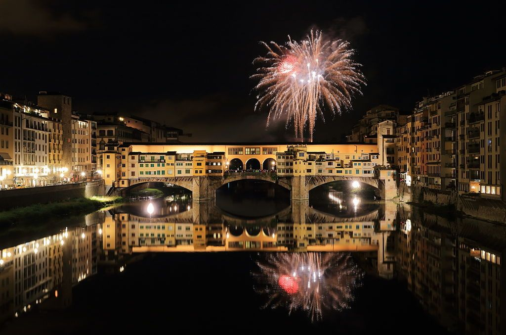 Ponte Vecchio Wikipedia The Free Encyclopedia Italy Pictures Christmas In Italy Ponte Vecchio