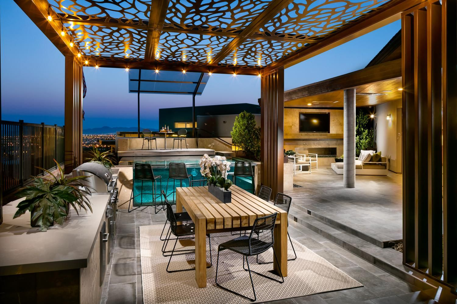 Outdoor Dining Done Right Pictured Above Granite Heights Onyx Model Home In Las Vegas Nv Patio Backyard Patio Outdoor Living Space