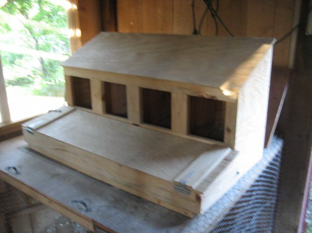 Roll Away Nesting Box Diy Crafts Pinterest Coops