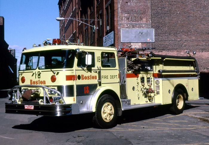 ◆Boston, MA FD Engine 18 ~ 1970 Hahn 1250/500 Pumper◆
