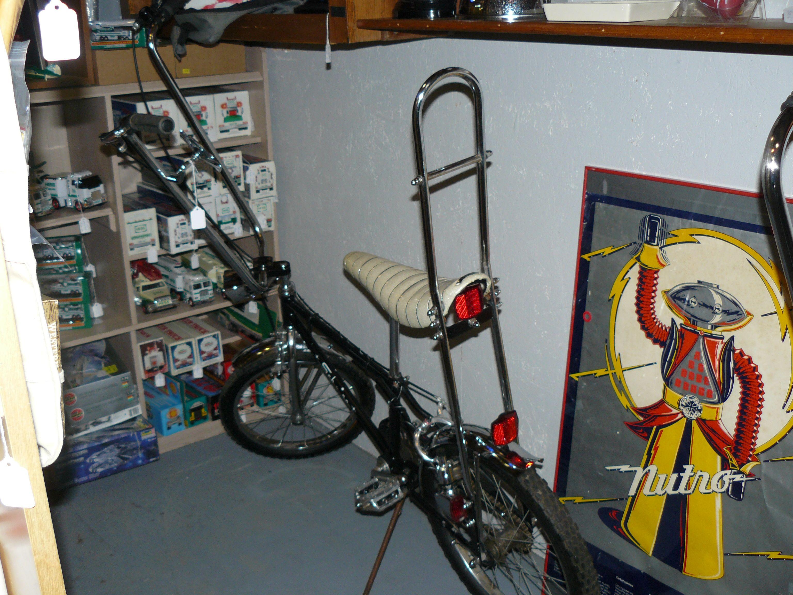Vintage Schwinn Bicycles, Bike at Scranberry Coop Antique Store ...