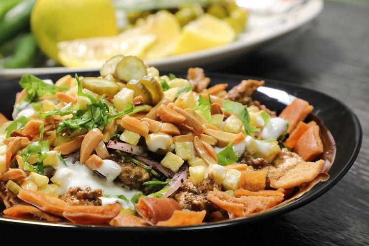 فتة الشاورما الشهية والمبتكرة بالفيديو مطبخ سيدتي Recipe Ramadan Recipes Recipes Salad