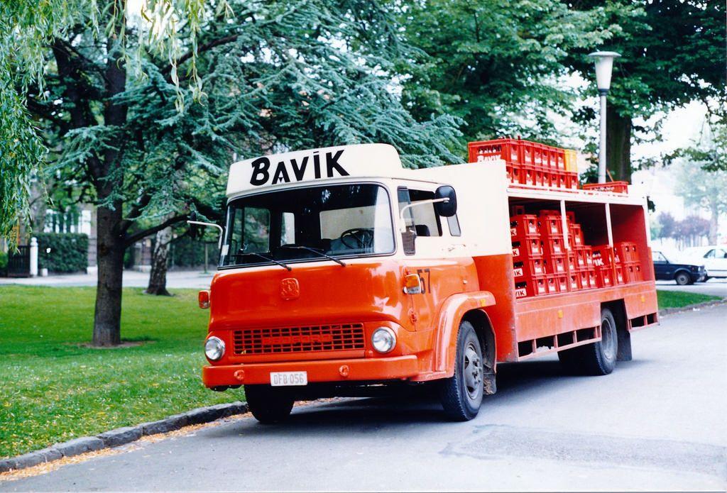 Bedford Tk Bavik Beertransporter Brewevery In Bavikhove Near Harelbeke Belgium Beer Truck Bedford Truck Vintage Trucks