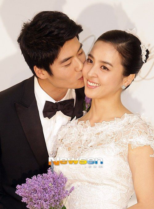 Han Hye Jin And Ki Sung Yong Get Married Korean Celebrity Couples Han Hye Jin Celebrity Couples