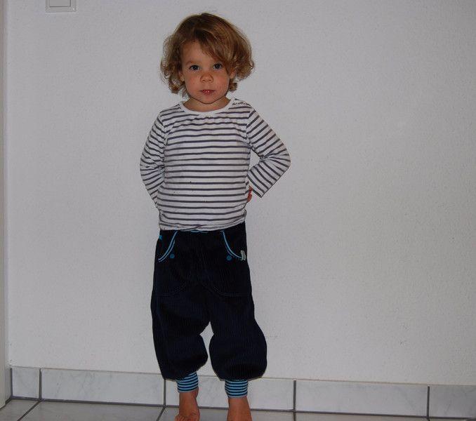 *Breitcordhose/Pumphose  dunkelblau Gr.92* von einfach schoen... auf DaWanda.com