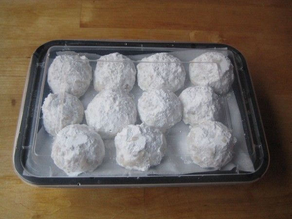 snowballs with walnuts