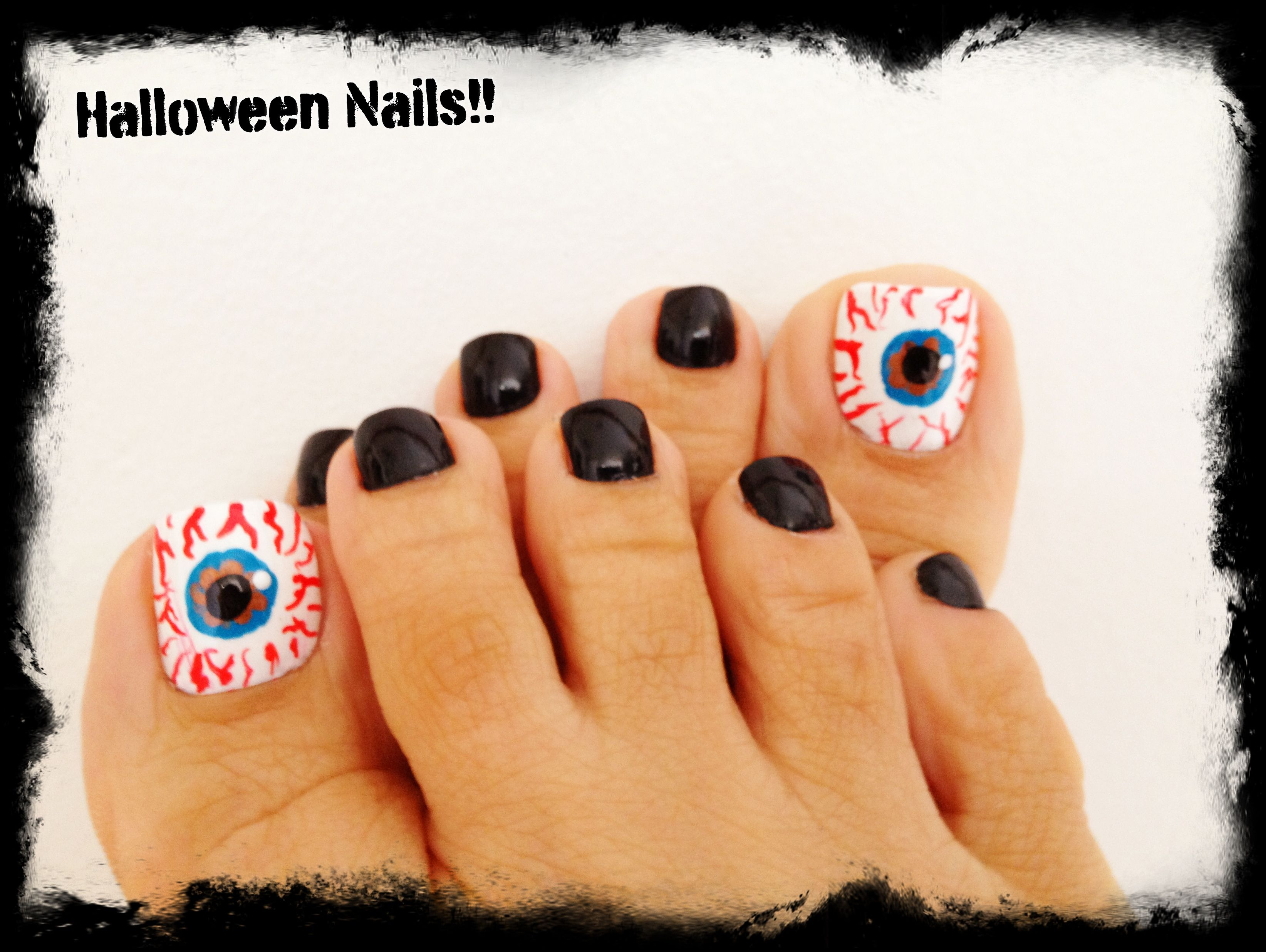 Halloween Nails.....WOW, how 'bout that eye on your big ...