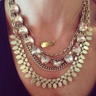golden layered statement necklace, Unique and special statement necklaces http://www.justtrendygirls.com/unique-and-special-statement-necklaces/