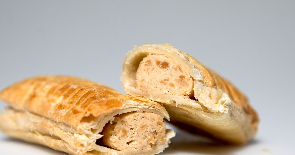 Vegan Claims Sausage Roll Traumatized Her For Life Vegan Sausage Vegan Sausage Rolls Sausage Rolls