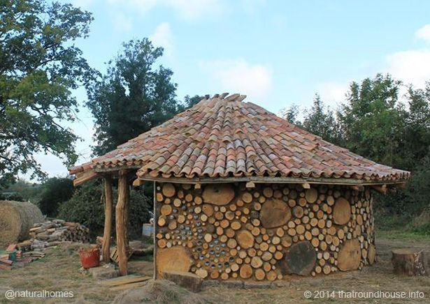 Tiny Home Designs: A Chestnut And Oak Cobwood Roundhouse In Vausseroux