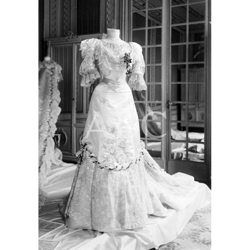 vestido de novia de la reina victoria eugenia.: descarga y compra