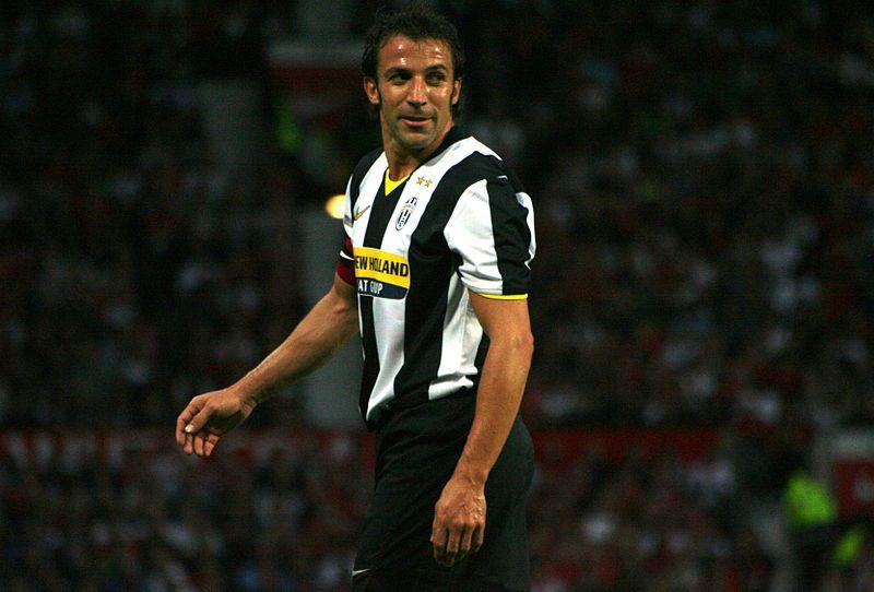 Juve Fan Juventus Complete Undefeated Season; Del Piero