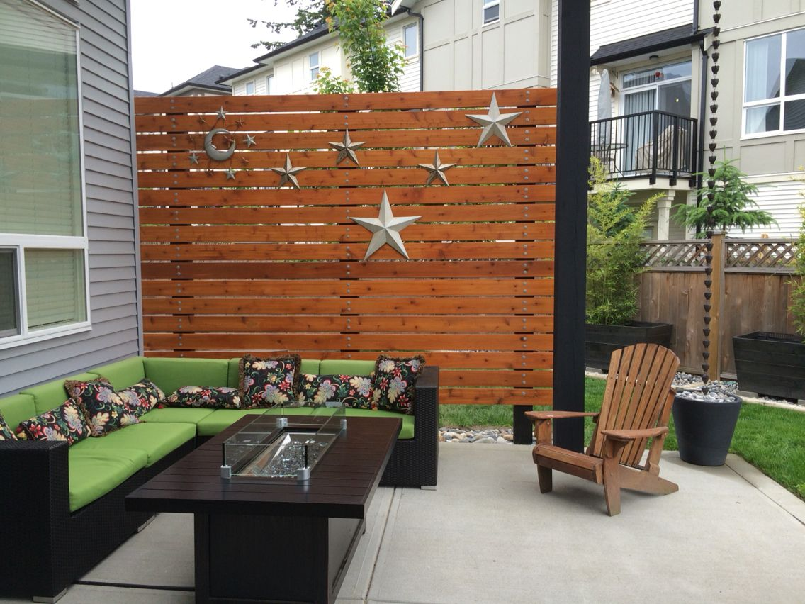 Cedar patio privacy wall 5 4x6 cedar deck boards lag for Backyard patio privacy ideas