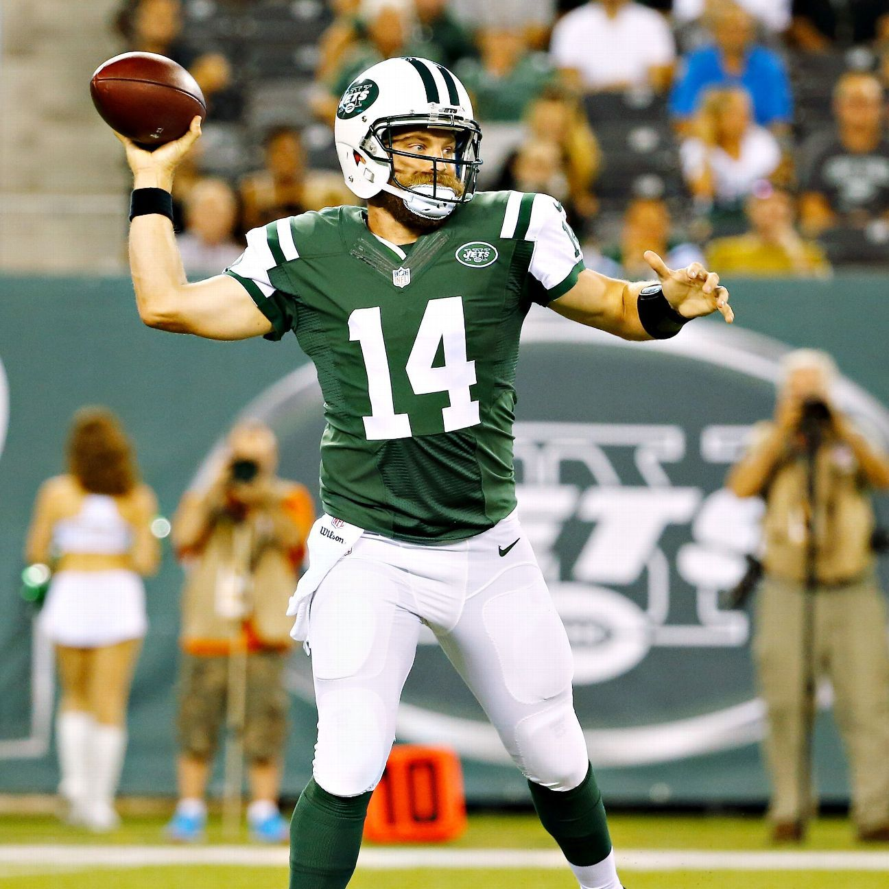 Jets Beat Falcons But Ryan Fitzpatrick Co Struggle In Extended Outing New York Jets Atlanta Falcons Football Nfl
