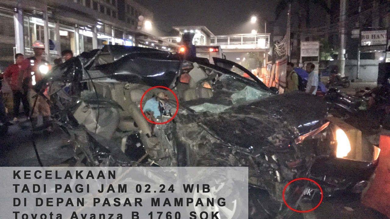 Pin Di Kecelakaan Mobil Avanza