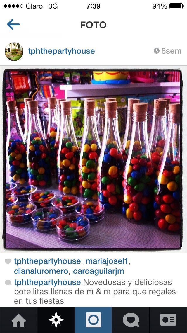 Botellas con m&m de colores