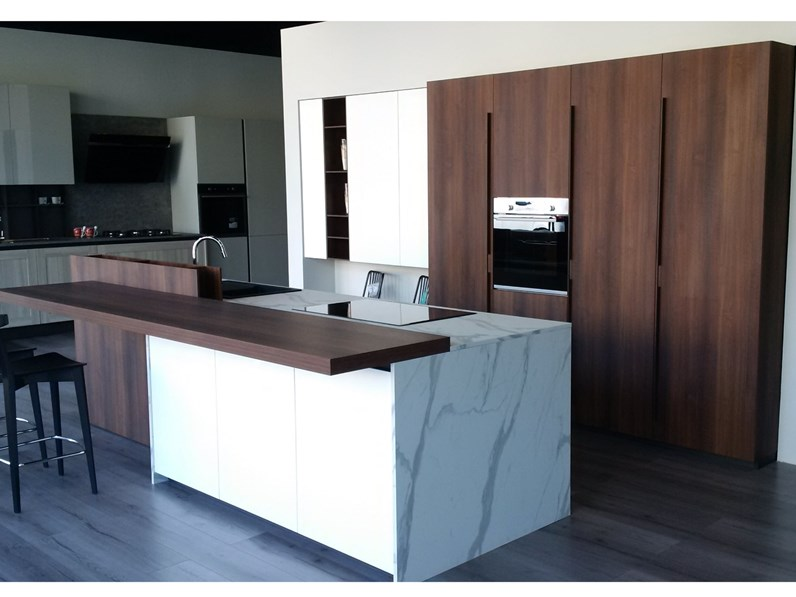 Cucina ad isola Zeta 6 Arredo3 con un ribasso del 30% | casa ...