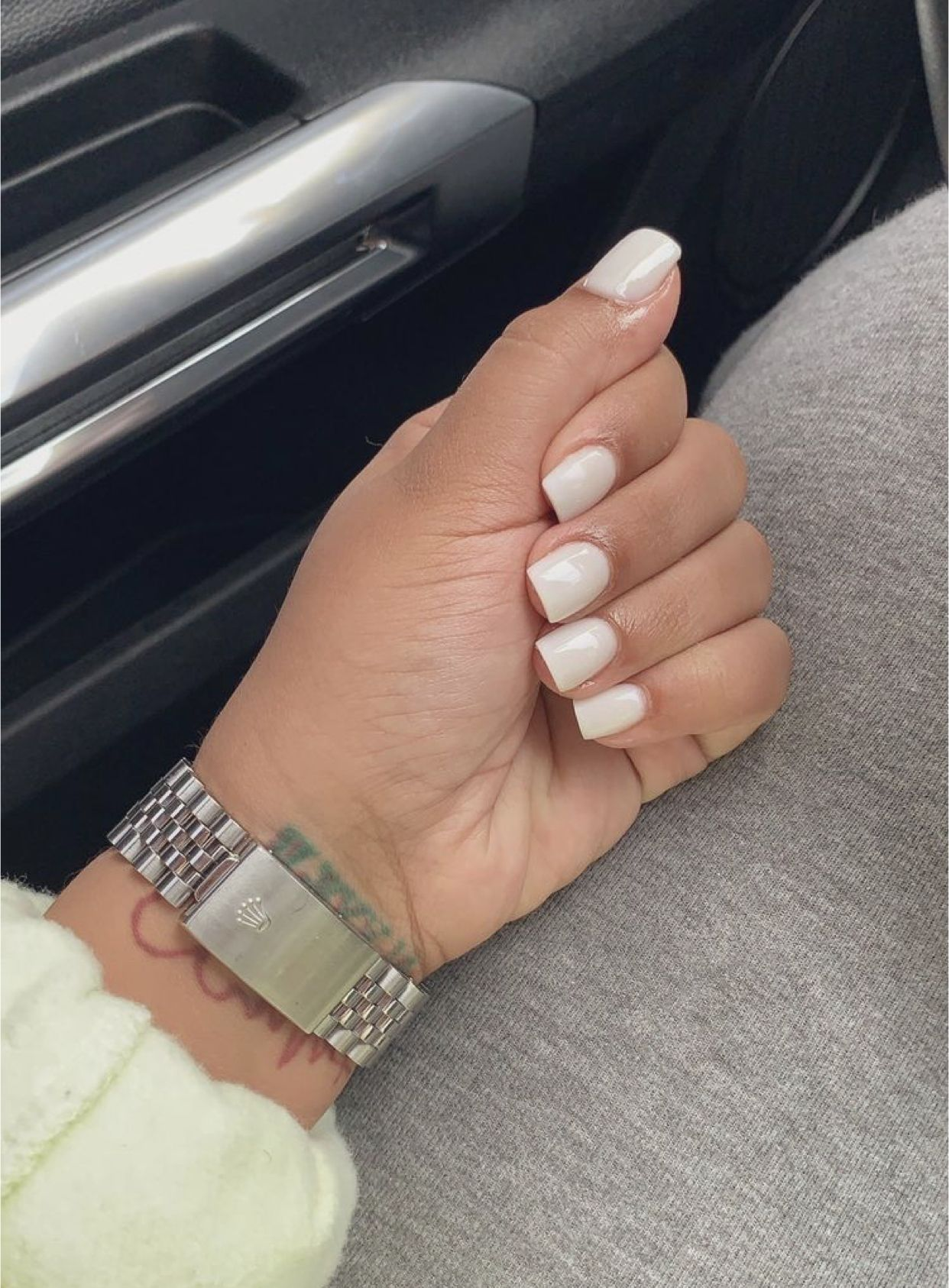 Itsdiorjaleia In 2020 Short Square Acrylic Nails Square Acrylic Nails Neutral Nails